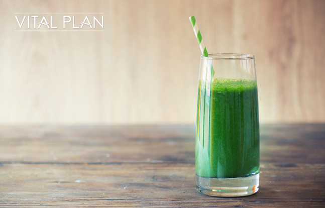 detoxify your system with a pineapple kale smoothie